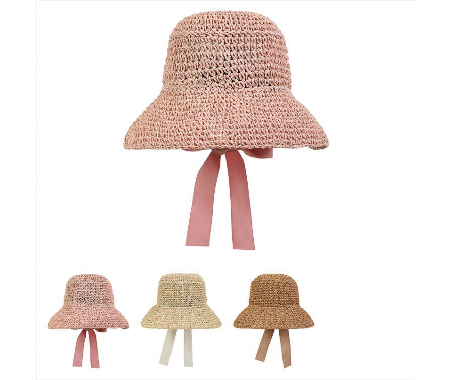 Соломенная шляпа с бантом в старинном стиле